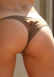Looking Amazing In Her Brown Micro Bikini Eva Paige Has A Smokin Body - Picture 4