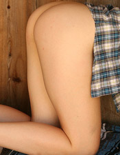 Sara Carlson Gets Up Close And Personal After She Strips Down To Nothing - Picture 1